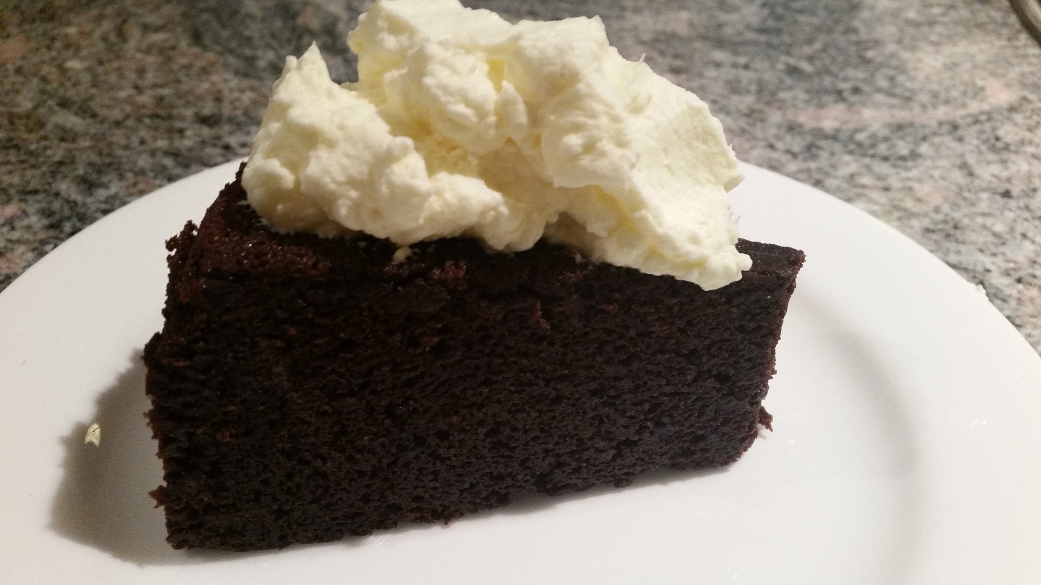 Amazing Chocolate Fudge cake - www.livtocook.com